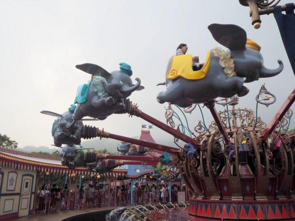 香港ディズニーランド 空飛ぶダンボ