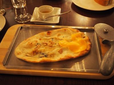 リストランテ・ディ・カナレット ピッツァ、カナーレ・ベッロ(5種のチーズ)