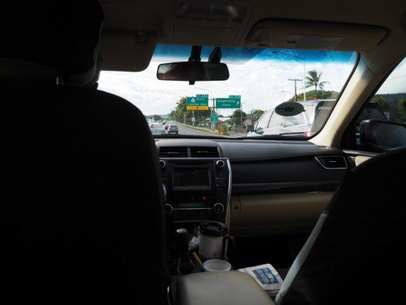 Uber タクシー車内