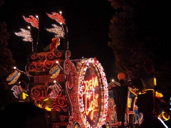 エレクトリカルパレード クリスマス トレイン