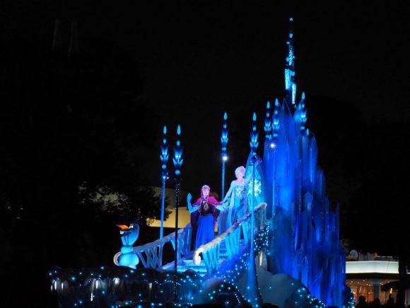 エレクトリカルパレード クリスマス アナと雪の女王