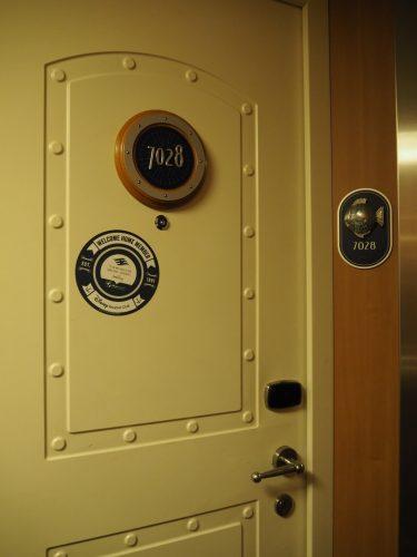 DCL客室 ドア