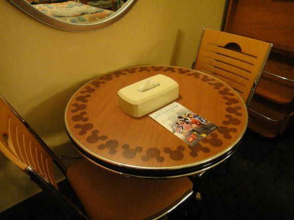 WDW オールスターリゾート 机&椅子