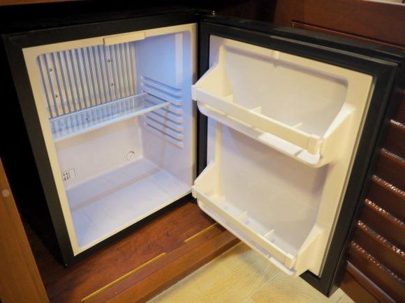 エクスプローラーズロッジ 冷蔵庫
