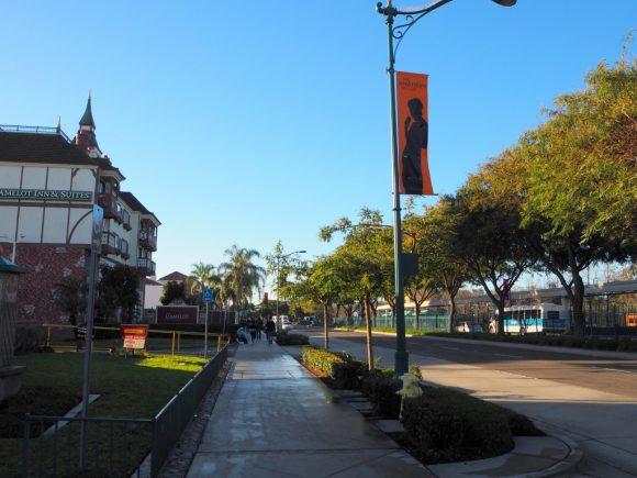 ホテルからカリフォルニアディズニーランドまでの道