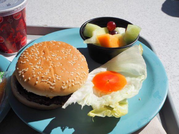 フローのV8カフェ ハンバーガー