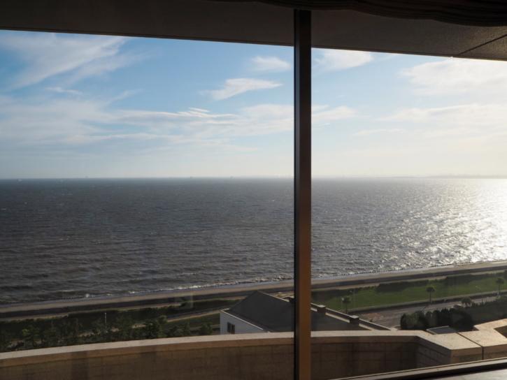 シェラトングランデトーキョーベイ ラウンジ 海側