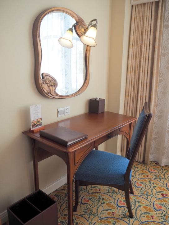 上海ディズニーランドホテル テーブル