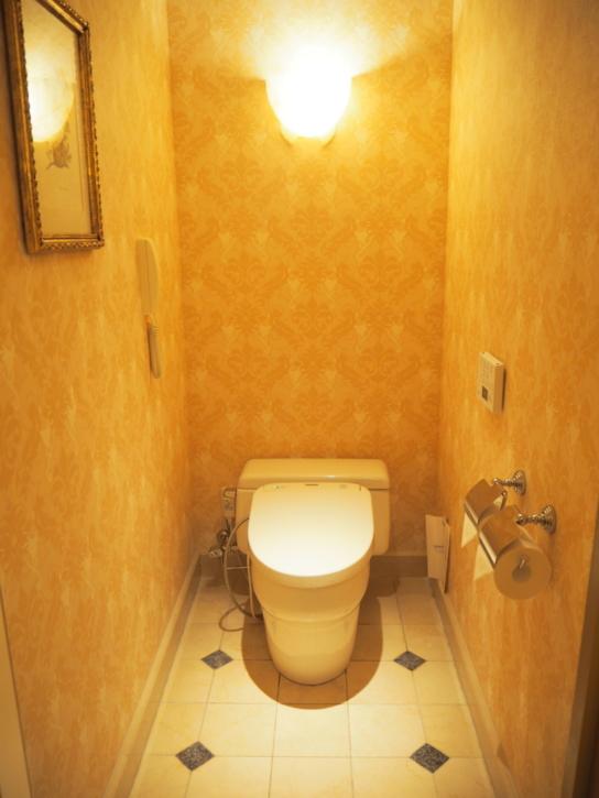 ミラコスタ・スイート ベッドルーム トイレ