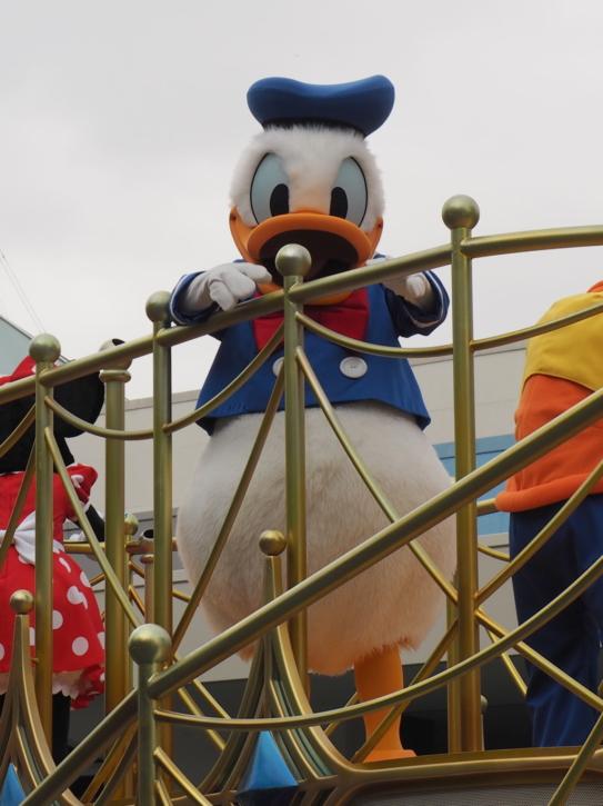 ミッキー&フレンズのグリーティングパレード