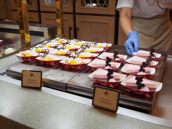 クリスタルパレスレストラン ワッフル&ケーキ