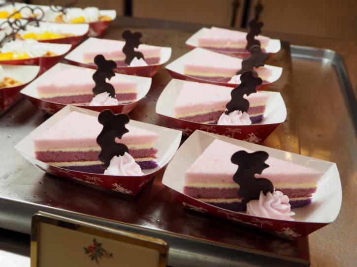 クリスタルパレスレストラン ベルのケーキ