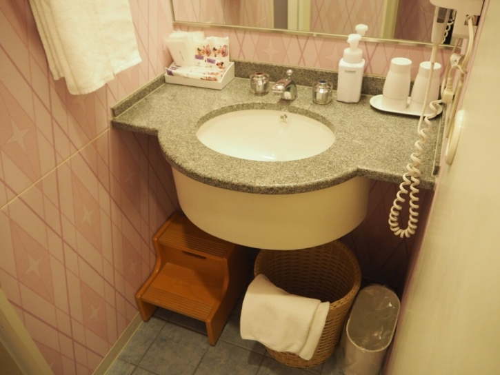セレブレーションホテル:ウィッシュ 洗面台下備品