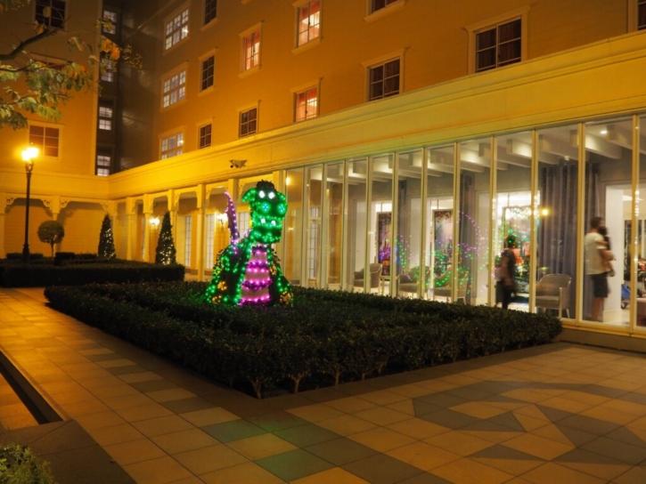 セレブレーションホテル:ウィッシュ 中庭ライトアップ