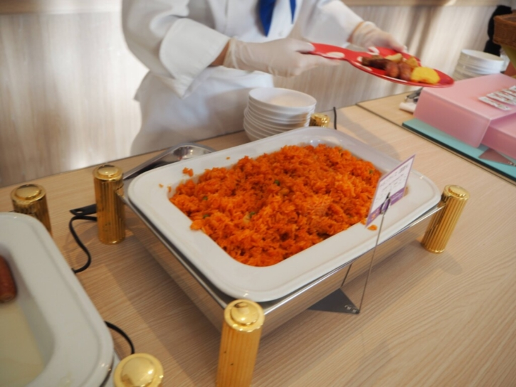 セレブレーションホテル 朝食 チキンライス