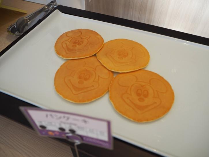セレブレーションホテル 朝食 パンケーキ