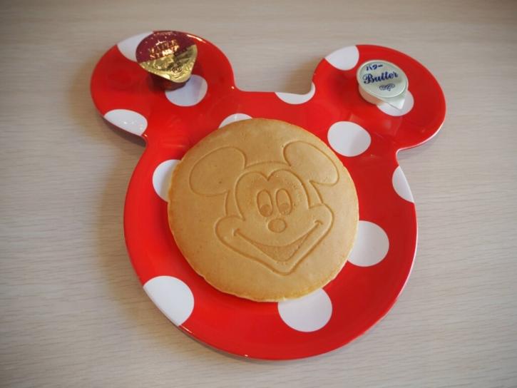 セレブレーションホテル 朝食 パンケーキ盛り付け