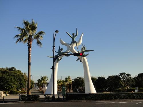 ディズニーシーまで徒歩の道のり_浦安市運動公園オブジェ
