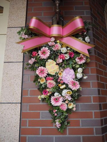 東京ディズニーランドホテル_イースターデコレーション_エントランスピンク