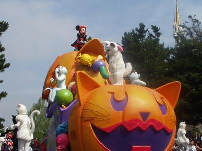 Disney's Halloween Parade 2003_ミニー&マリー
